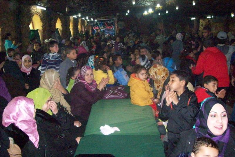 نظمت جمعية حنان للثقافة والتنمية المجتمعية احتفالا حاشدا ضمن سلسلة فعاليات  مشروع الدعم   النفسي لضحايا العنف في قاعات صالة أبو صرار بالنصيرات
