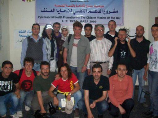 جمعية حنان للثقافة والتنمية المجتمعية تستقبل الوفد الأجنبي المتضامن مع الشعب الفلسطيني